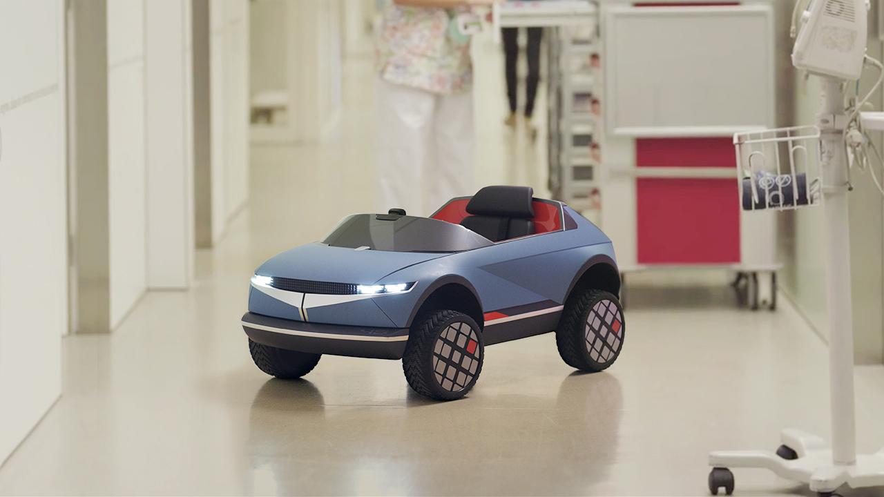 El EV Mini '45' de Hyundai ayuda a pequeños pacientes a sentirse mejor