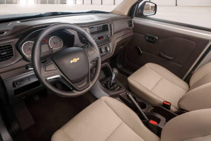 Chevrolet Tornado Van 2022, lista para el trabajo (3)