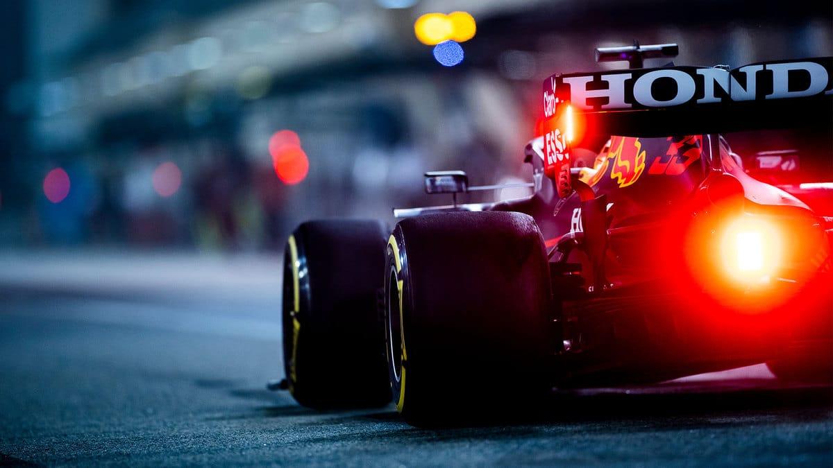 Verstappen el más rápido en la FP1 en Bahréin