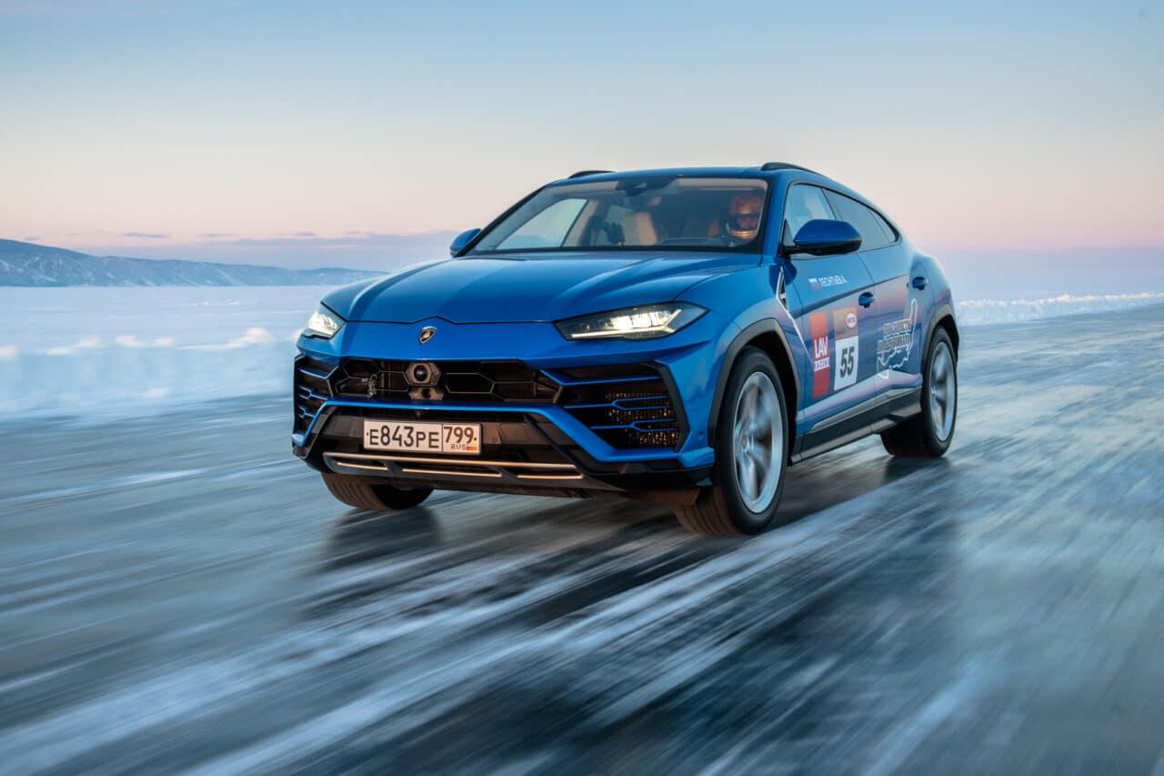 ¿Se imaginan un Lamborghini Urus a alta velocidad en el hielo?
