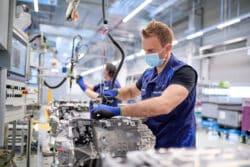 BMW inicia producción de baterías y módulos para los iX e i4