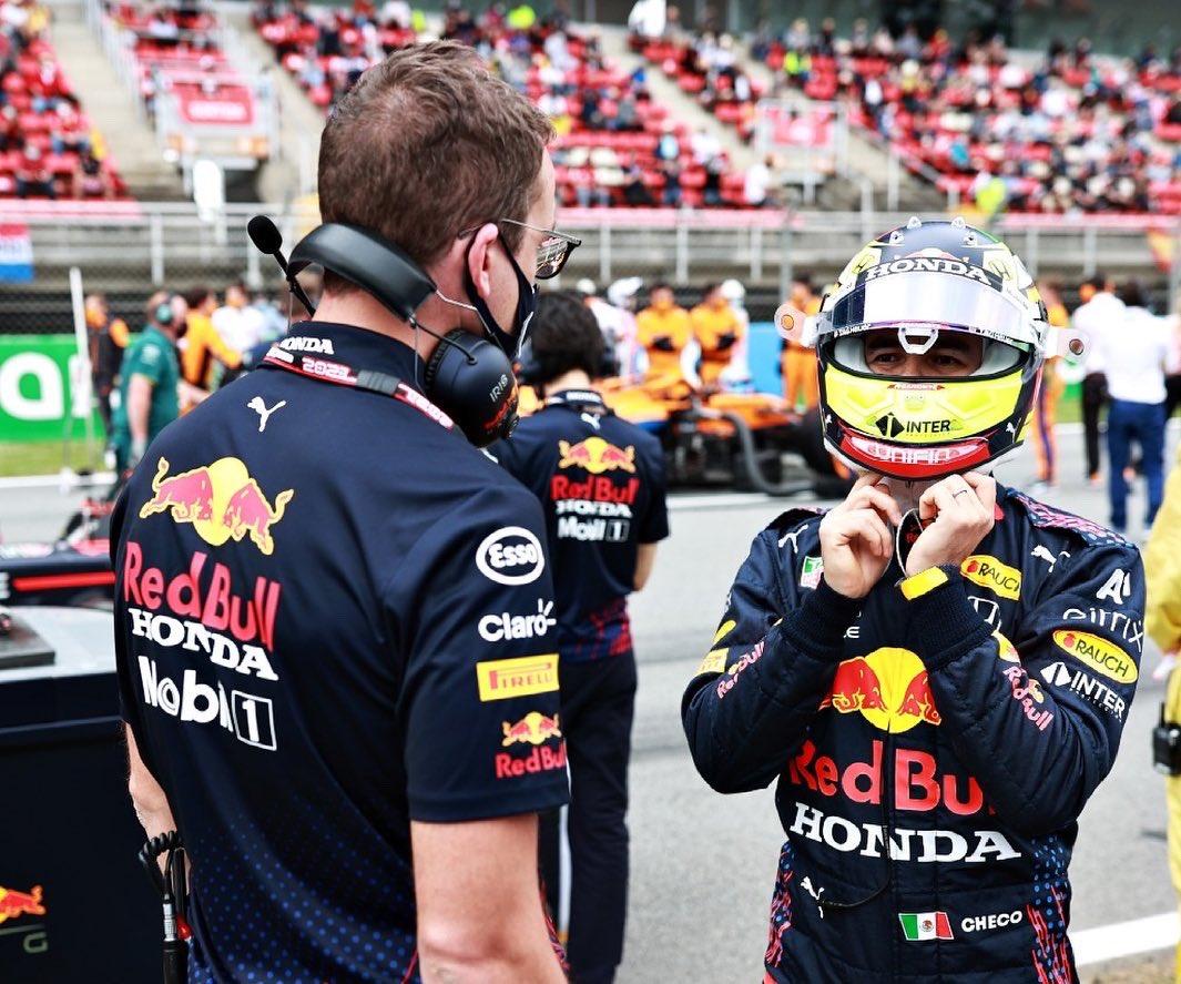 Red Bull Racing necesita desesperadamente al frente a Sergio Pérez