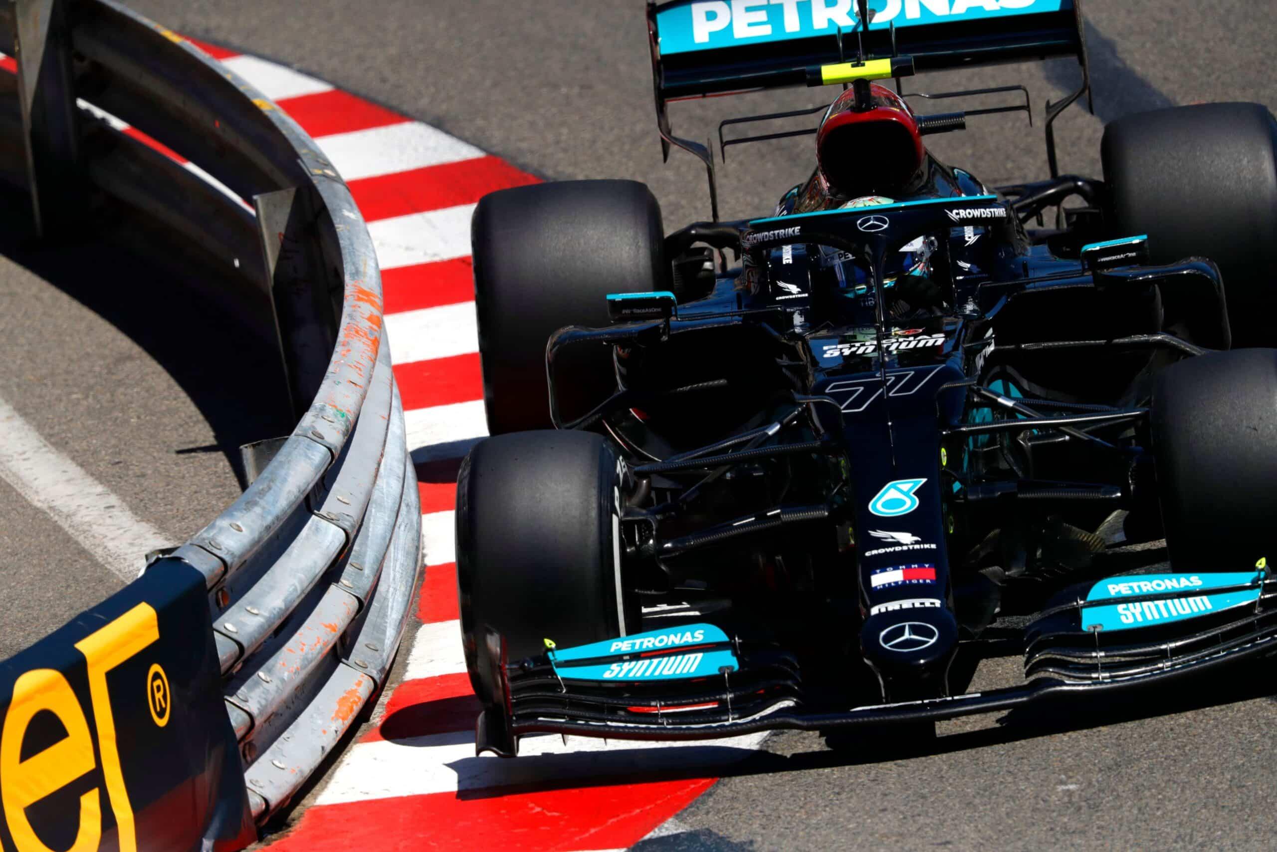 Ferrari ayudó a Mercedes con el neumático atascado en Mónaco