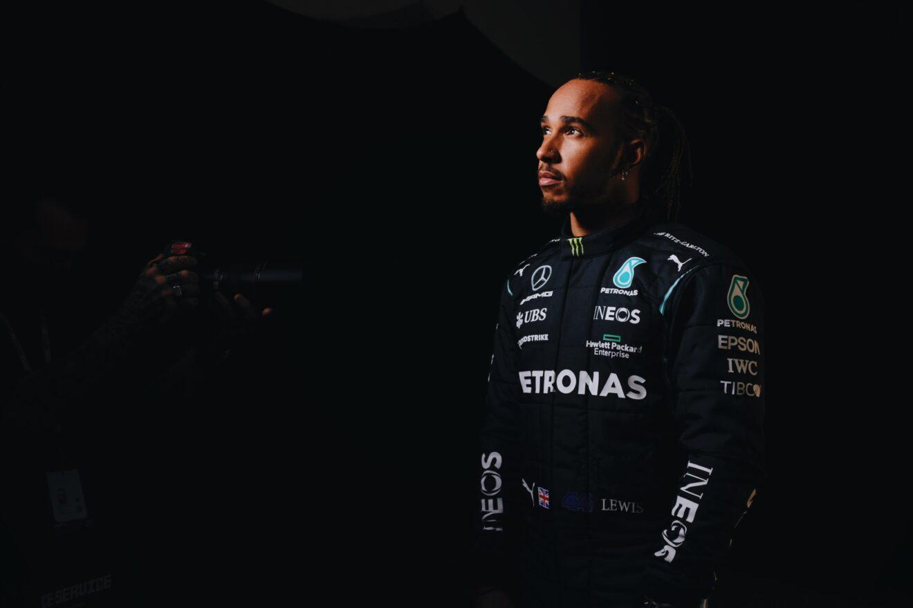 Lewis Hamilton quiere firmar un nuevo contrato para el verano