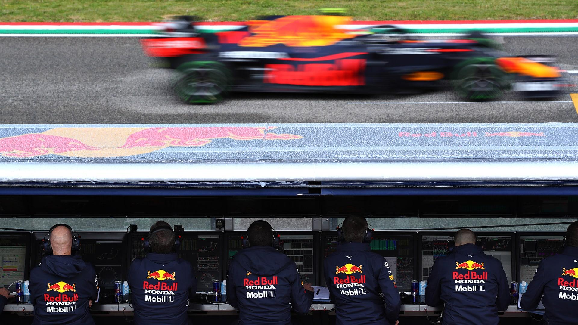 Red Bull contrata a más personal de Mercedes para un nuevo proyecto