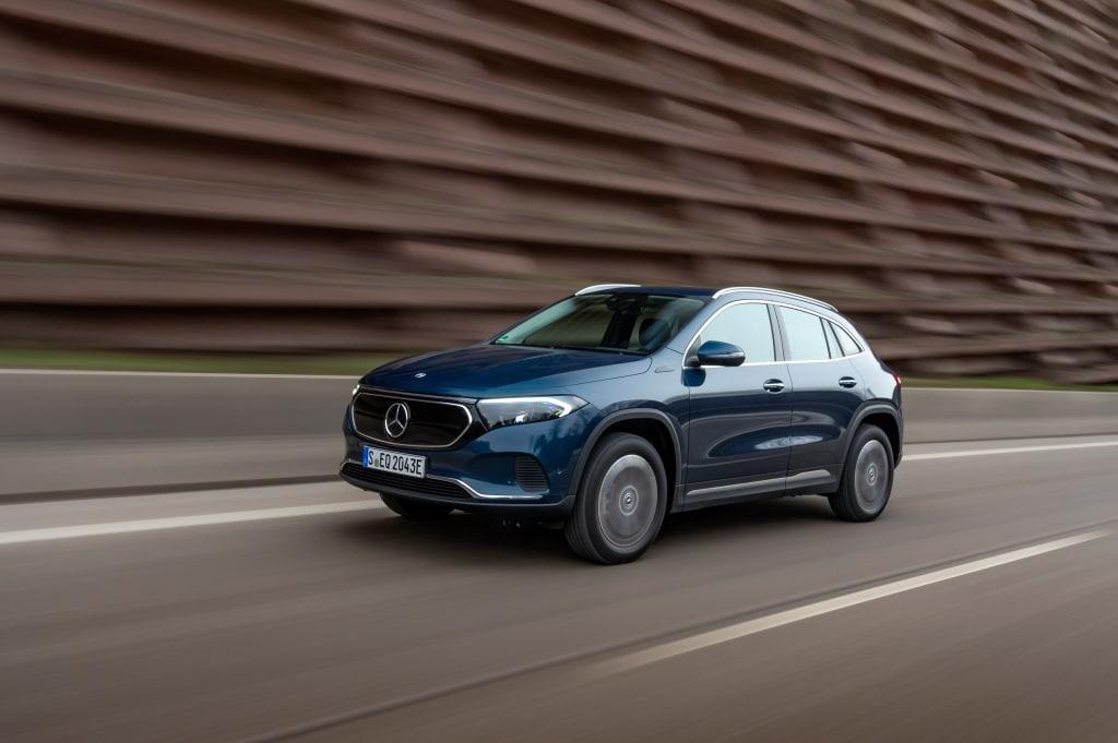 Mercedes EQA expande sus variantes