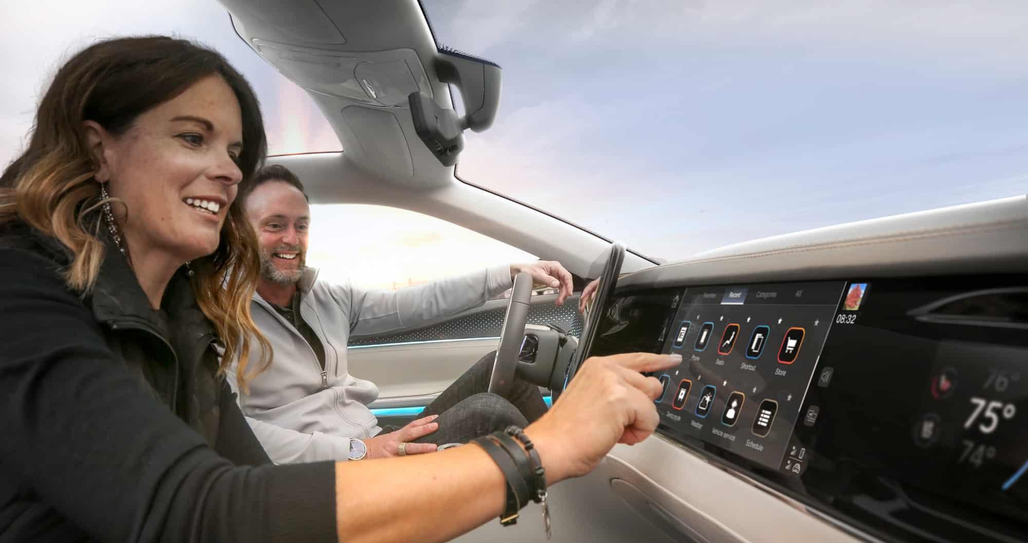 Stellantis y Foxconn se alían para desarrollar nuevas experiencias en los vehículos