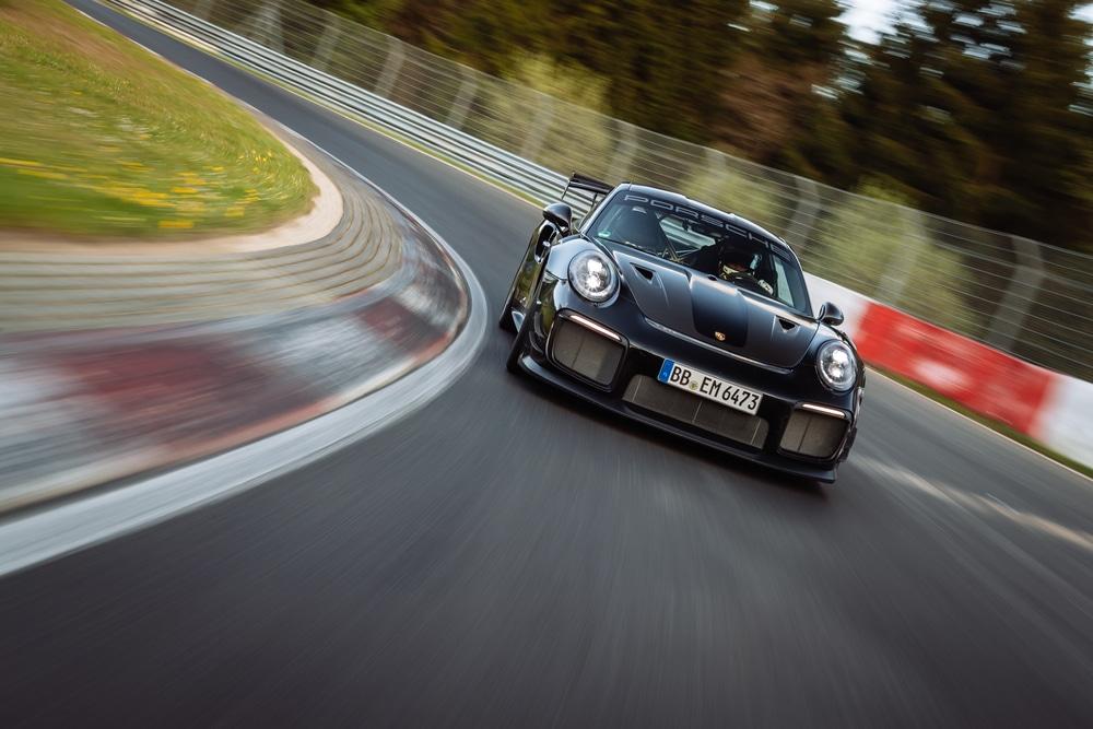 Porsche destroza el crono e impone otro récord en Nürburgring