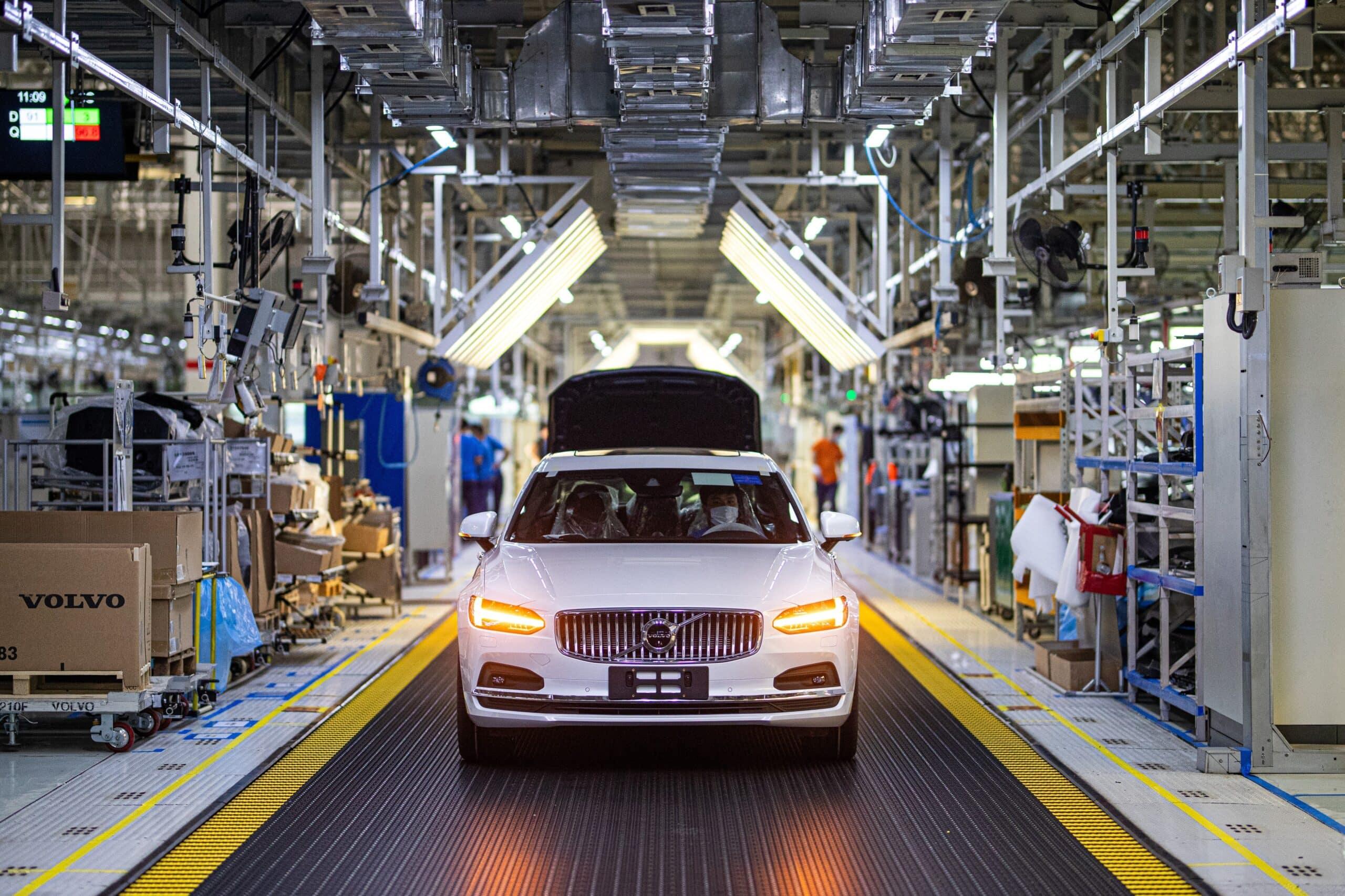 ¿Cómo reducir las emisiones de CO2 del acero y aluminio para los autos?