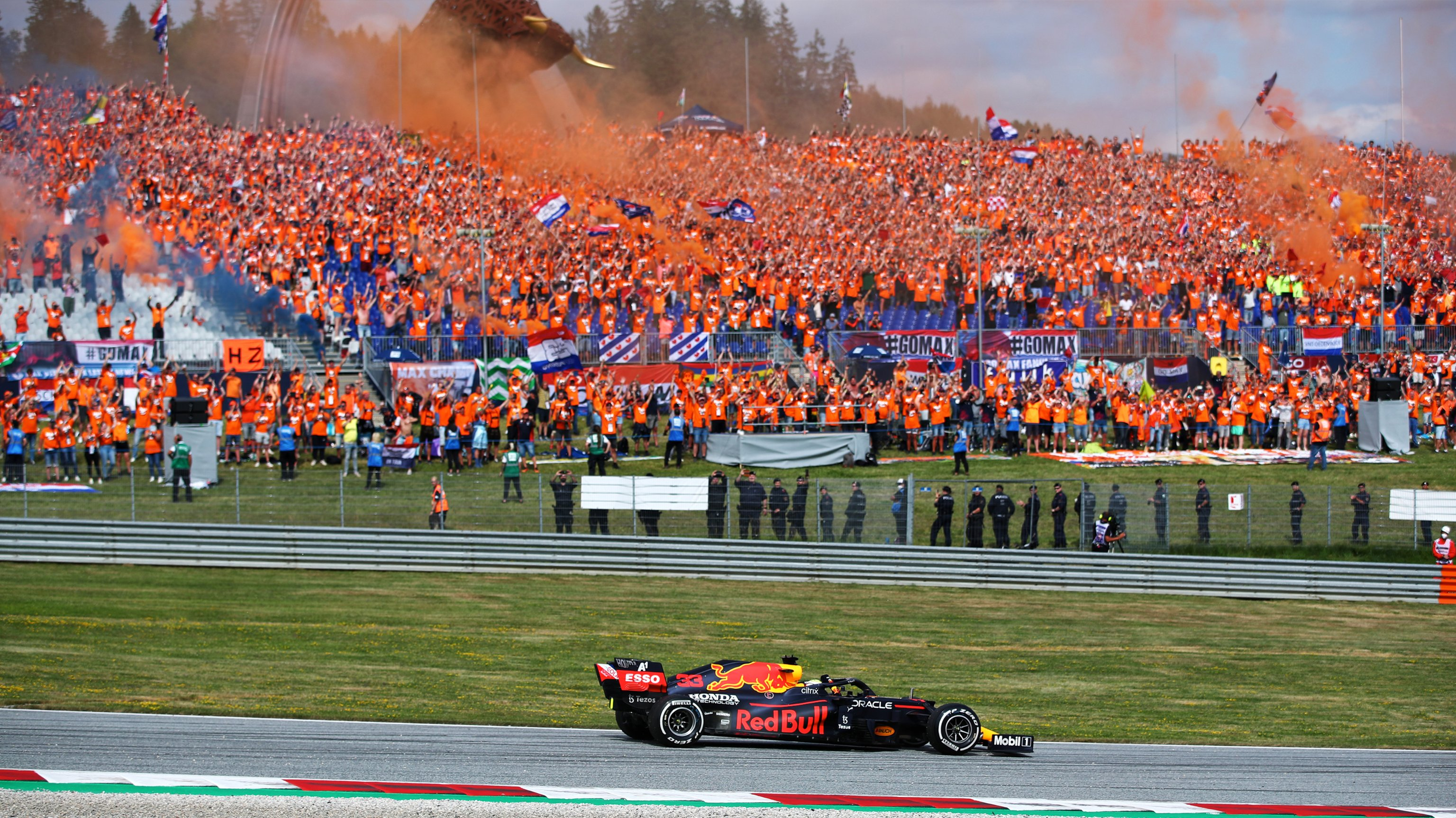 Verstappen gana el GP de Austria, Pérez termina sexto