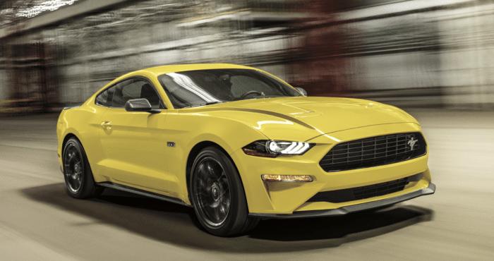 La posición del motor en un coche de tipo muscle car como este Ford Mustang casi siempre será delantera.