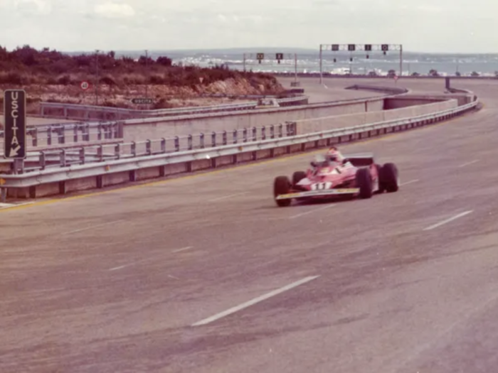 Nikki Lauda prueba el Ferrari 312 en el Circuito de Nardò
