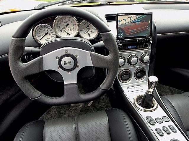 Interior de Saleen S7 modelo 2006