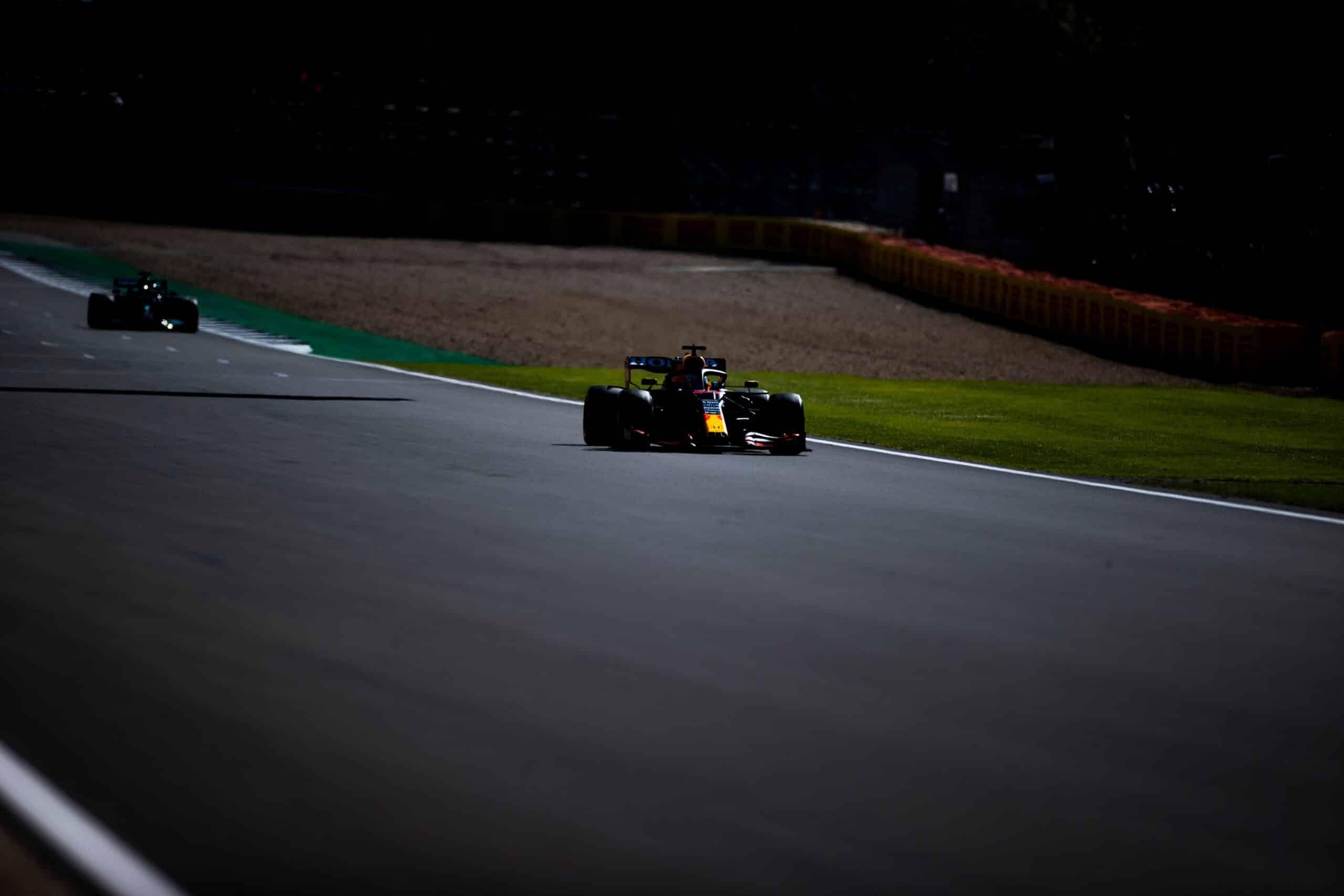 La FIA rechaza la petición de Red Bull y no habrá otra penalización para Hamilton