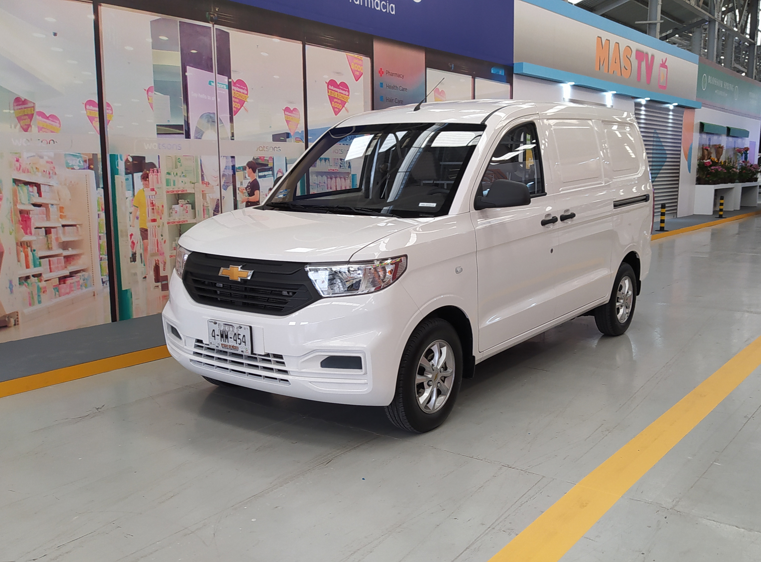 ¿Qué Van es mejor para tu negocio?: Chevrolet Tornado Van, ProMaster Rapid, Kangoo, Partner, Caddy y Transit