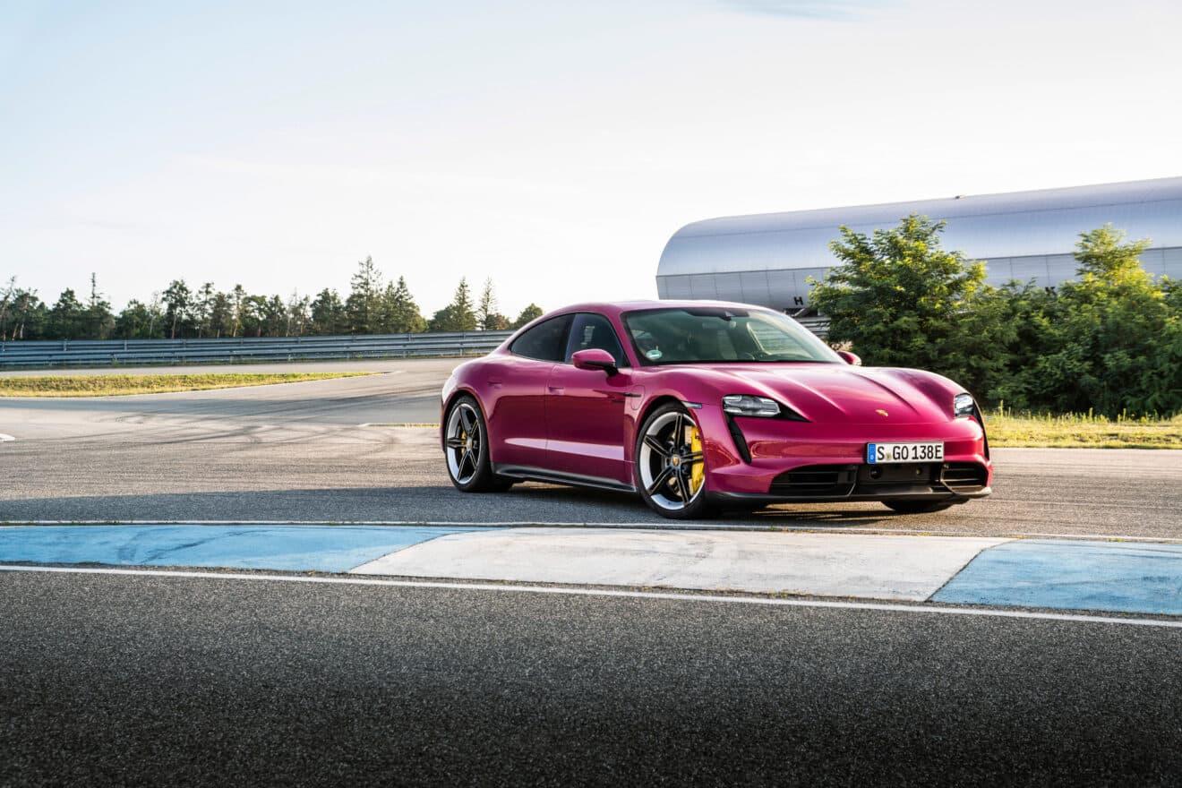 Porsche Taycan se actualiza para tener más autonomía