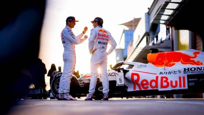 Hamilton establece nuevo récord de pista, Bottas se queda con la pole