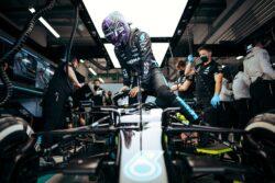 Lewis Hamilton recibirá una penalización de 10 puestos en la parrilla en Turquía