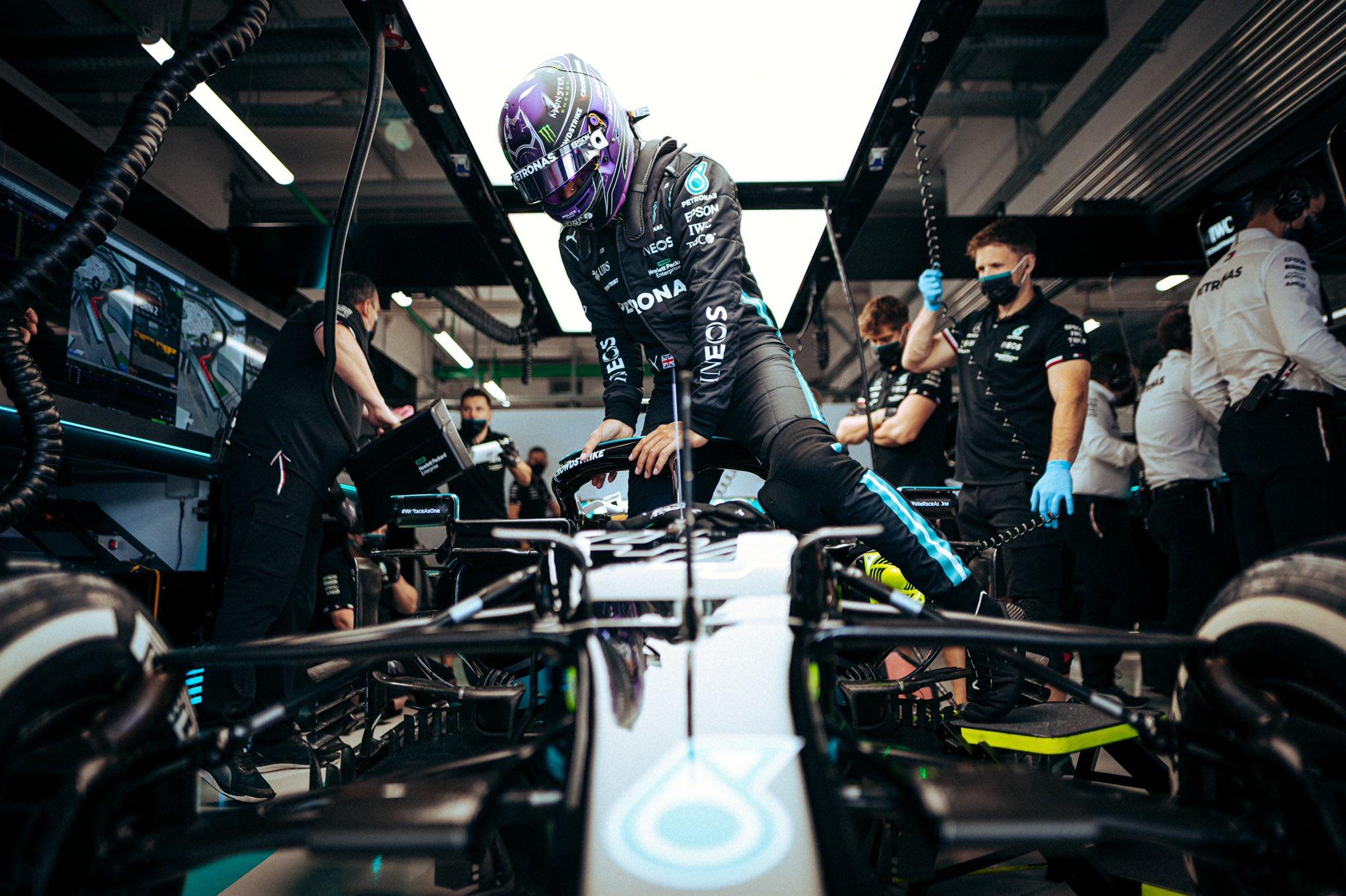 Lewis Hamilton penalizado con 10 puestos en la parrilla en Turquía
