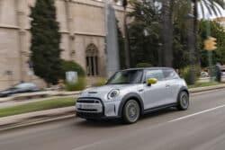 MINI Cooper SE hace su debut en el mercado mexicano