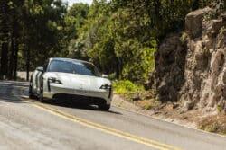 Las dos versiones más potentes del Porsche Taycan, participarán en La Carrera Panamericana