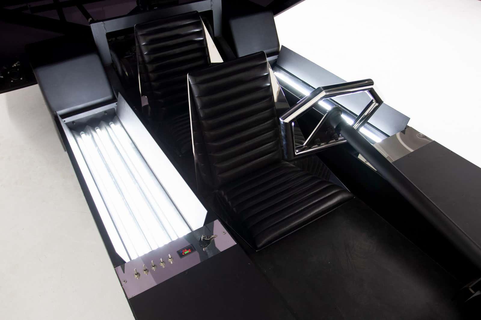 El interior del Lo Res Car Fotografía de Bring A Trailer
